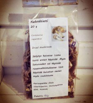 Kehnäsieni 20g | Vihertiipertti. Pohjoisen puhtaasta luonnosta kerätty herkullinen kehnäsieni (Cortinarius caperatus). Tilaa Forest Foodysta!